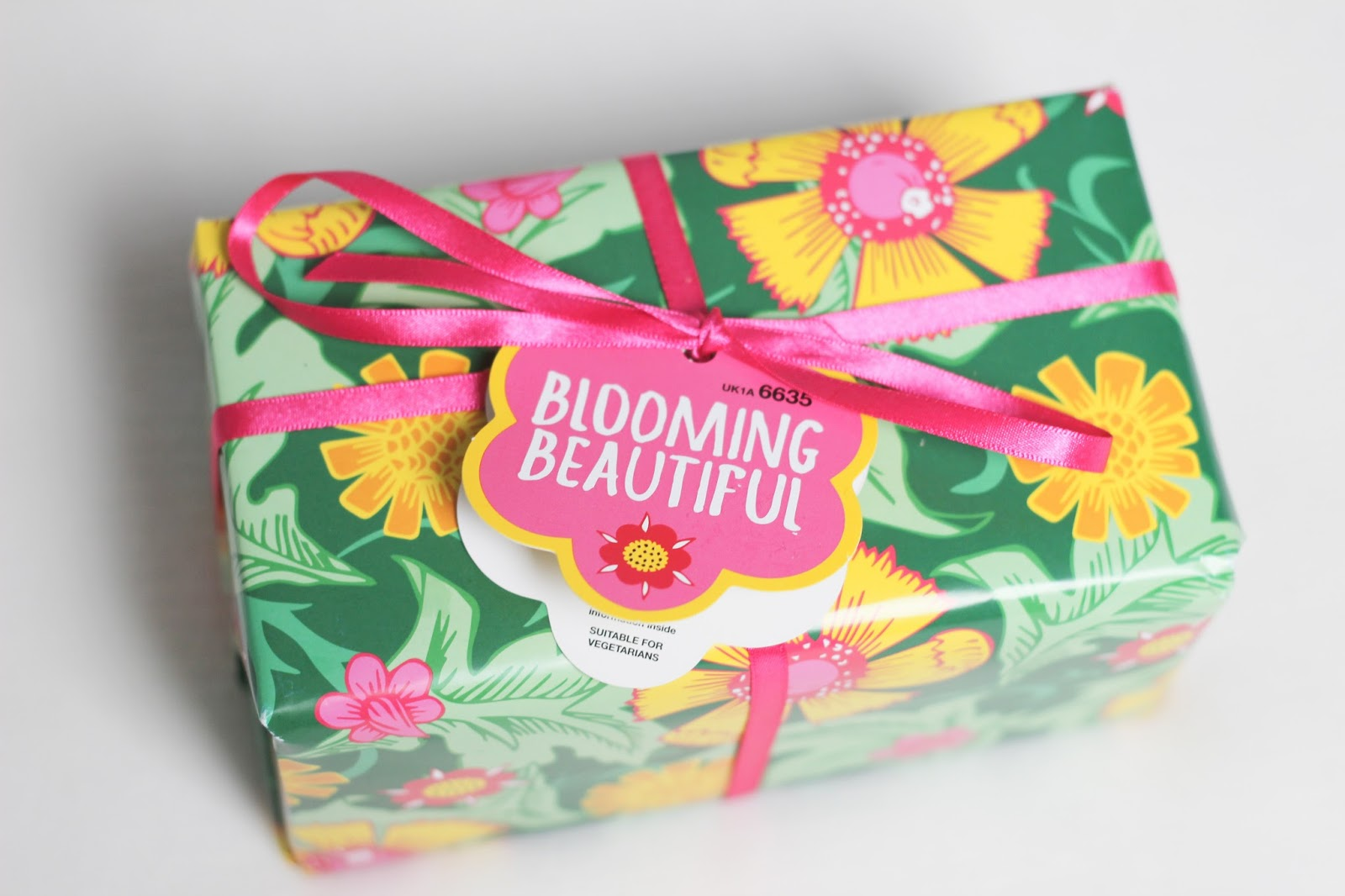 LUSH Blooming Beautiful Gift Set