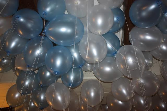 Wedding helium balloons at lake Riessersee Hotel, wedding venue in Garmisch, Bavaria, Germany, lake terrace #wedding venue #wedding abroad #Bavaria #Germany #Riessersee at lake Riessersee Hotel, wedding venue in Garmisch, Bavaria, Germany, lake terrace #wedding venue #wedding abroad #Bavaria #Germany #Riessersee