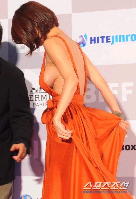 Busan Film Festival eye-popping distraction, actress Oh In Hye (吳仁慧 Wú rén huì)