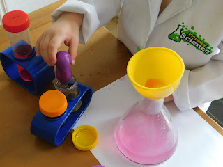 Pipetting food colouring