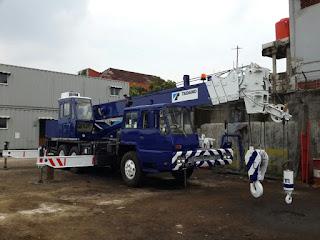 Sewa Rental Mobile Crane Surabaya