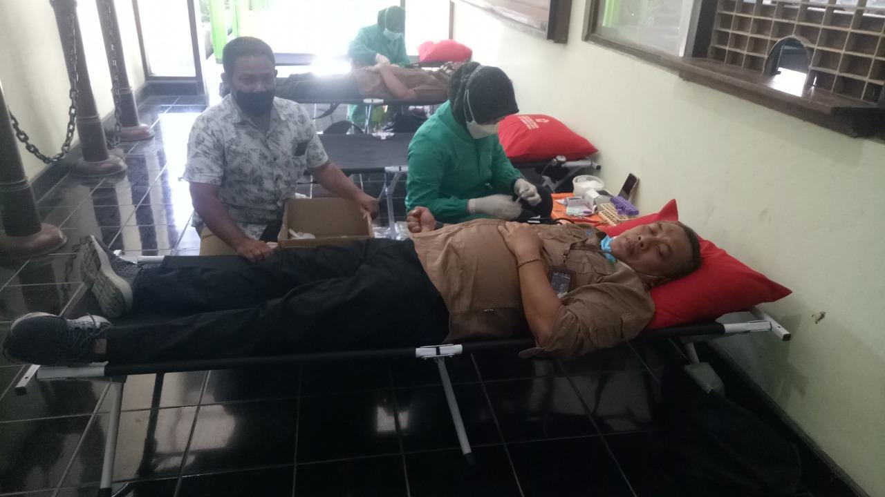 PERHUTANI KPH Randublatung Gelar Donor Darah Rutin 3 Bulanan