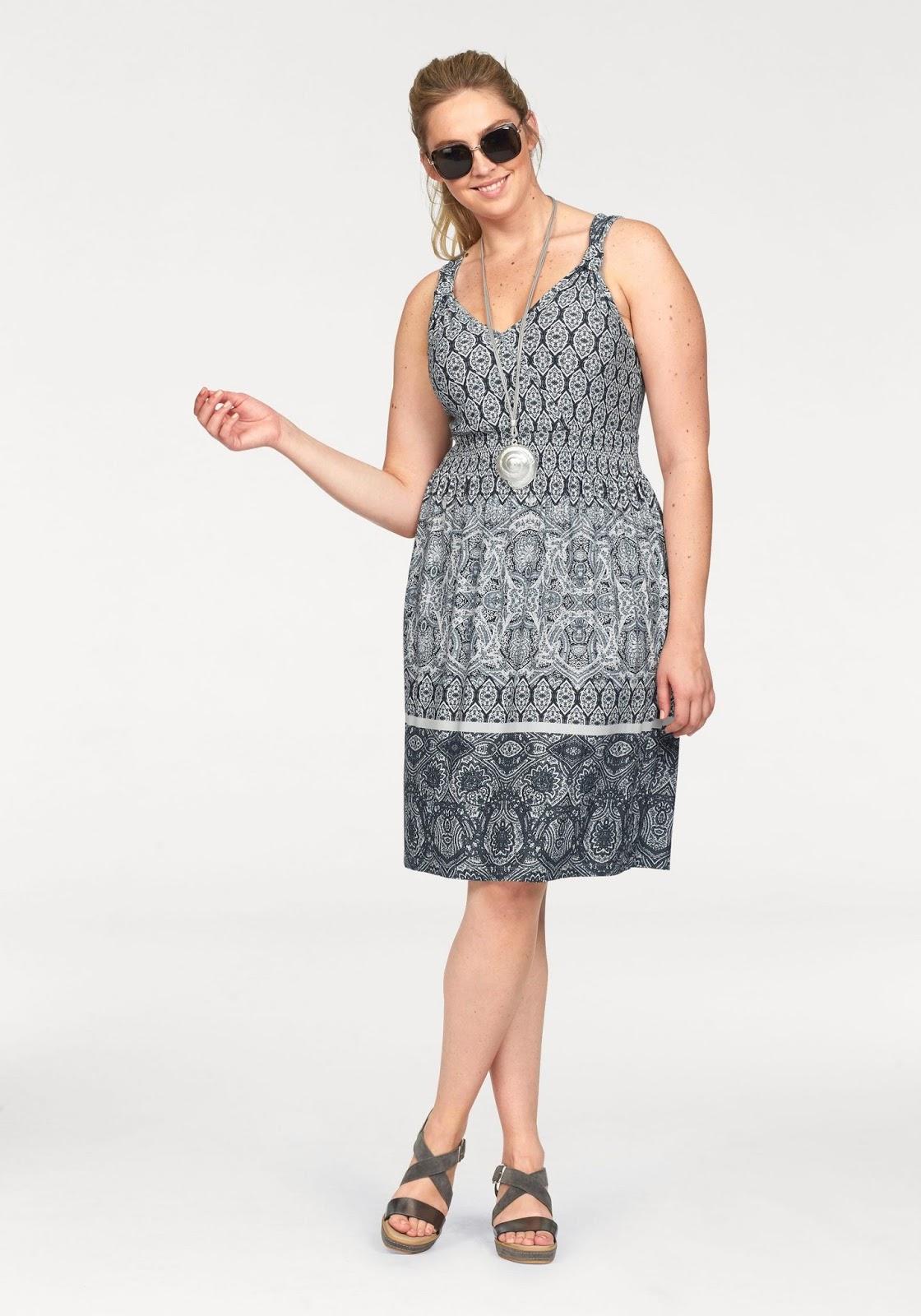 Welches Kleid macht schlank und kaschiert einen Bauch?