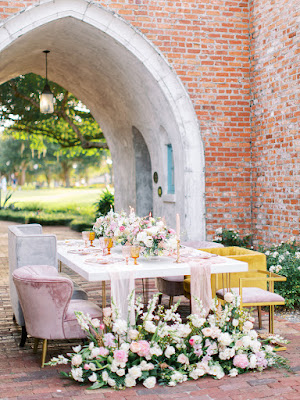 unique table setup with flowers at casa feliz
