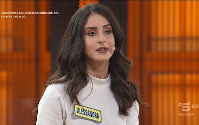 bella concorrente Alessandra Cardone avanti un altro 27 aprile