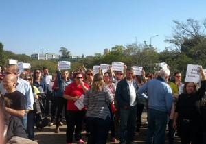 Os servidores  protestaram contra o parcelamento do salário Blog Cantinho Ju Tavares