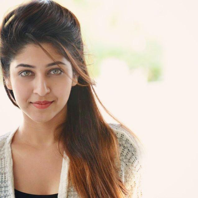 sonarika bhadoria eyes