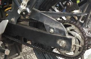 Resiko Bahaya Memendekkan Shockbreaker Motor
