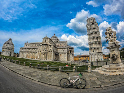 cycling tuscany carbon road bike rental in Pisa