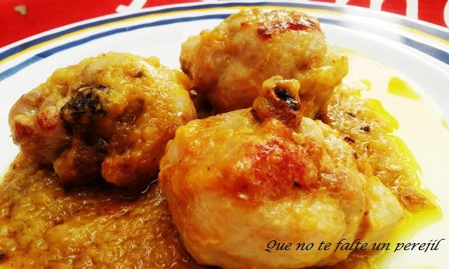 pollo_salsa_melocotones_amarillos