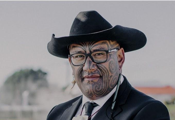 """Kidobták a """"hakázó"""" politikust az új-zélandi parlamentből"""
