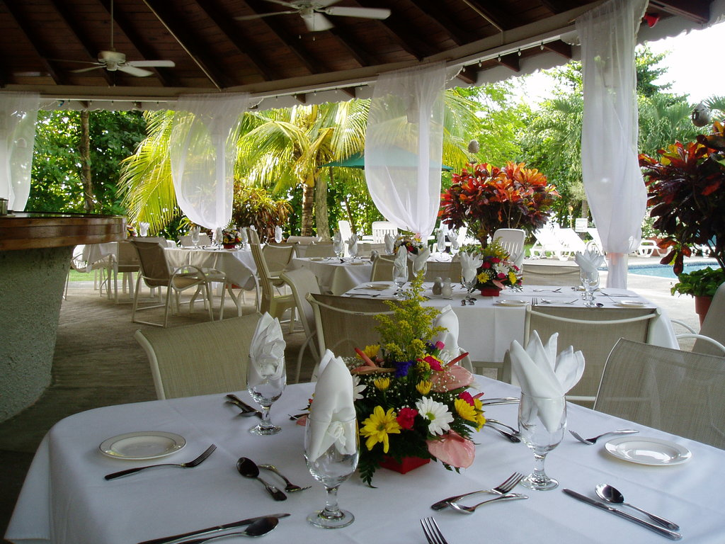 Typical Of Our Kind Wedding Venue The Poolside Bar Is Ideal For Relaxed Receptions Where Focus On Sharing An Intimate Evening With Those You Love: Wedding Venues In Trinidad At Reisefeber.org