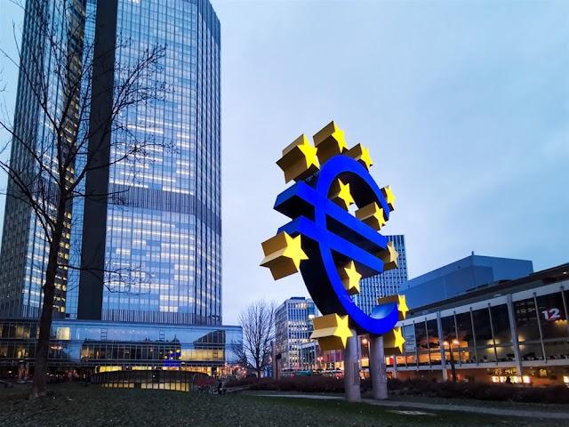 ΕΚΤ κατά κορωνοϊού : Πακέτο – μαμούθ 750 δισ. ευρώ προβλέπει και αγορά ελληνικών ομολόγων