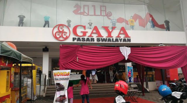 Lowongan Kerja Sebagai Cashier Administrasi di Gaya Supermarket and Department Store.