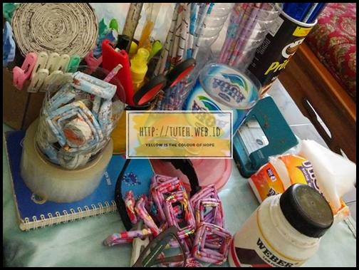 9aa057e8305 Kertas-Kertas Kado Menarik dan Lucu Pendukung Proyek DIY