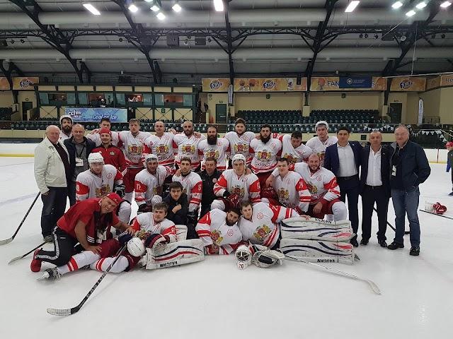 Сборная Грузии по хоккею стала победителем Чемпионата мира в III дивизионе и завоевала право выступать в В группе II дивизиона