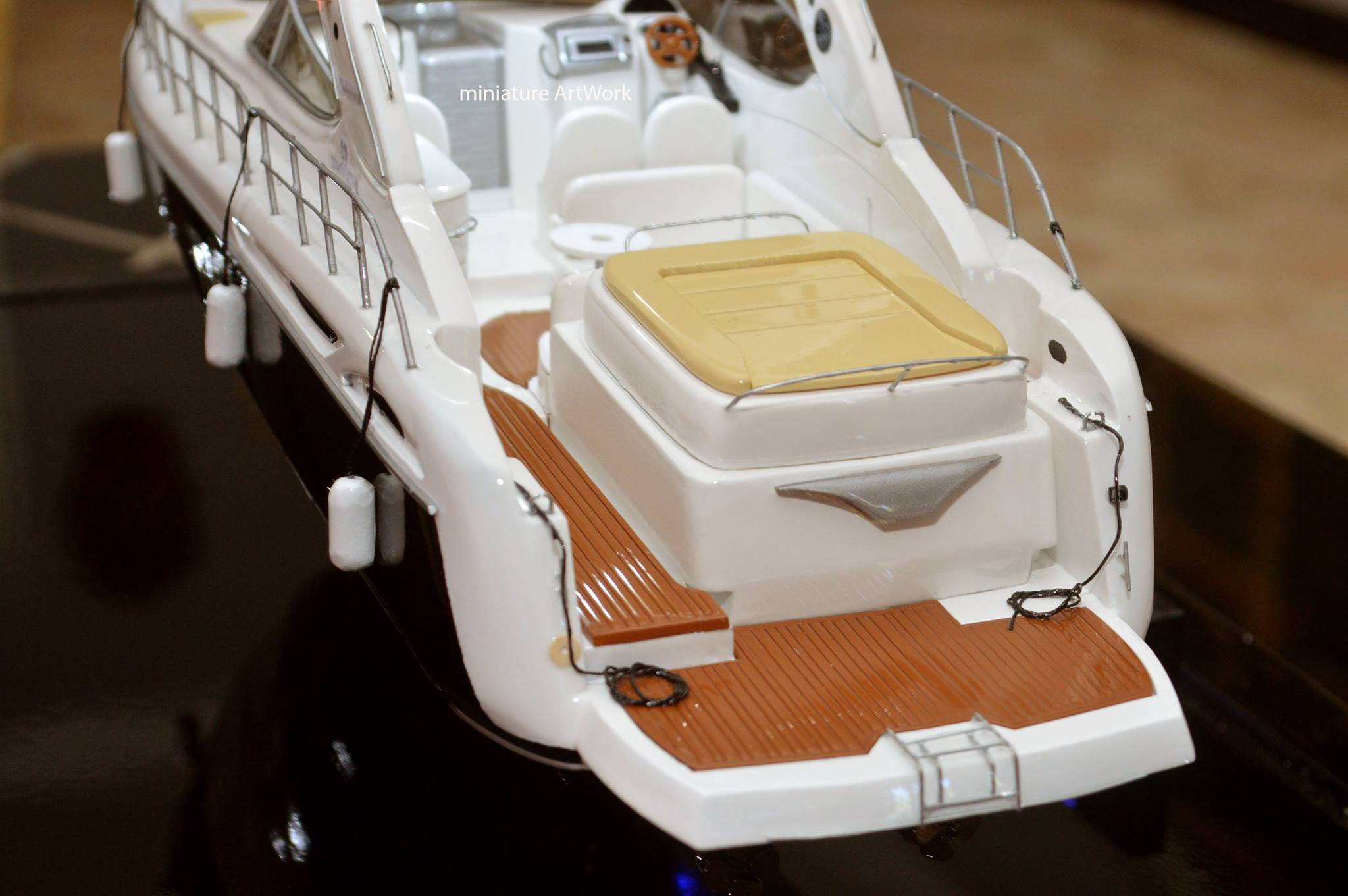 tempat jual maket miniatur kapal yacht cranchi 41 endurance harga murah planet kapal rumpun artwork