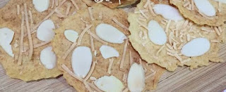 Resep Almond Crispy Cookies - Bumbu Emak
