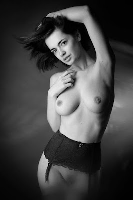 Curvas Femeninas Fotografia Artistica Modelo Rusa