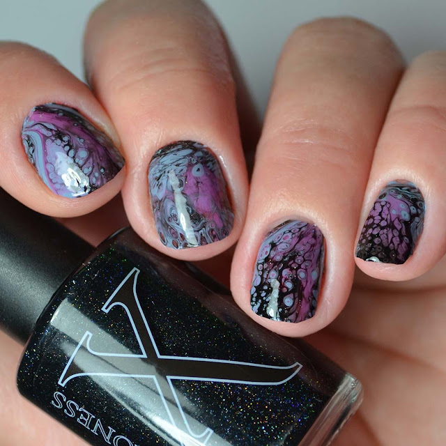 glow in the dark fluid art manicure