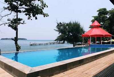 kolam renang di Pulau Bidadari