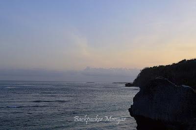 Langit senja menghias di Pantai Geger - Backpacker Manyar