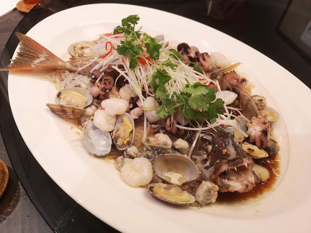 小八爪鱼蛤蜊蒜蓉蒸石斑鱼