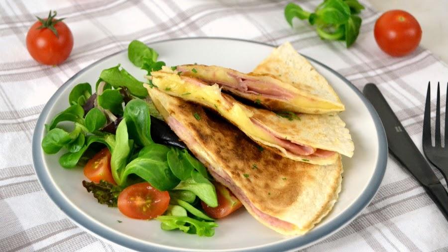 Quesadillas o sincronizadas de jamón y queso receta