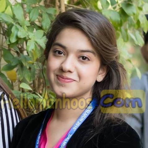 Arisha Razi- Family, Age, Married, Boyfriend, Salary, Sister, Wiki & Bio