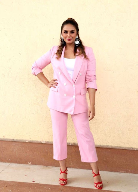 Actress Huma Qureshi Latest Photos In Pink Dress At India's Best Dramebaaz Navel Queens