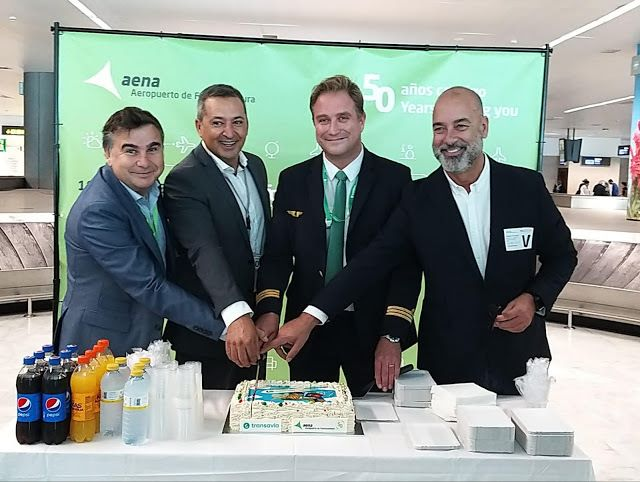 Vuelo%252Binaugural%252BParis%252BOrly%252B %252BFuerteventura - Fuerteventura tendrá más conecciones con Paris Orly a través de Transavia Airlines