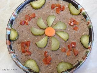 Pate de casa reteta traditionala taraneasca fara e-uri si conservanti preparat cu ficat pui pasare ceapa ulei oua sunca afumata retete aperitive mancare,
