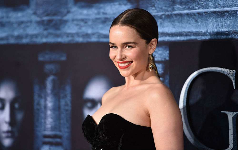 Emilia Clarke defiende las escenas de sexo y desnudos en