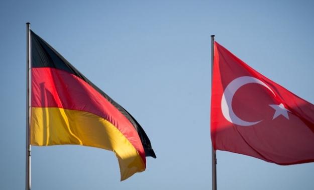 Κατά 55% και πλέον αυξήθηκαν οι αιτήσεις Τούρκων για τη χορήγηση ασύλου φέτος στη Γερμανία