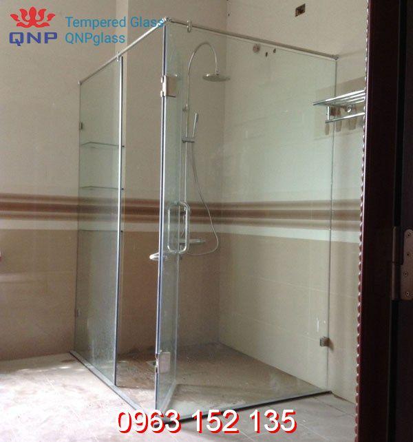 Tìm hiểu về mẫu vách kính cường lực phòng tắm nhỏ