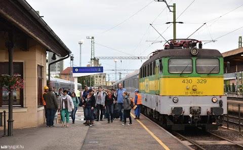 Gyalogost sodort el a vonat Sopronban