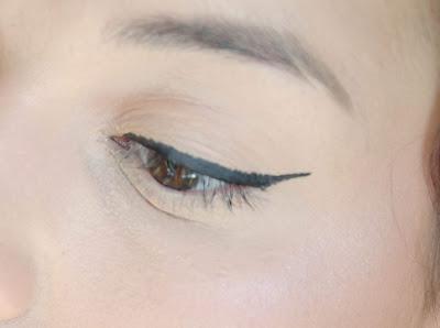 Ink me Eye & Body Liner de Rimmel/ Le flop intégral