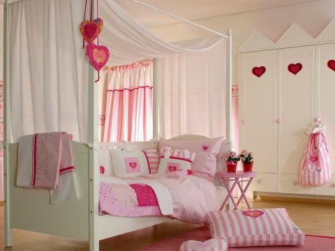 habitación niña corazones