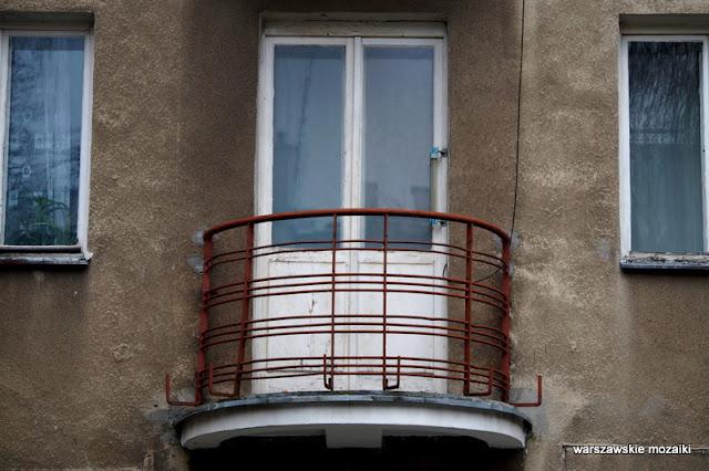 Warszawa Warsaw Mokotów Mokotow ulice Mokotowa architektura kamienica balkon