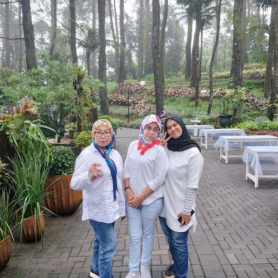 Ngopi di The Lake House puncak Bogor