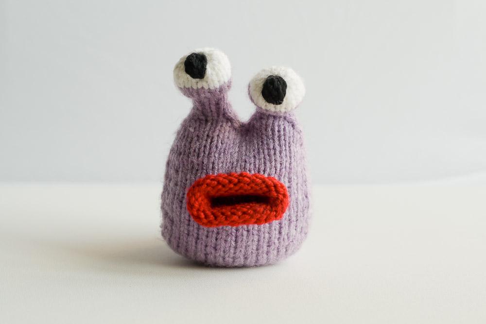 ślimak na drutach