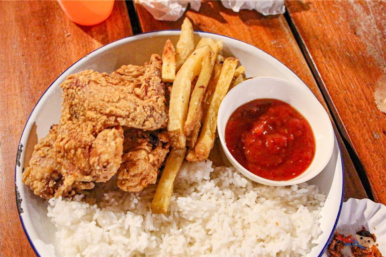 Sabong's Fried Chicken in The Great Northwest, La Union