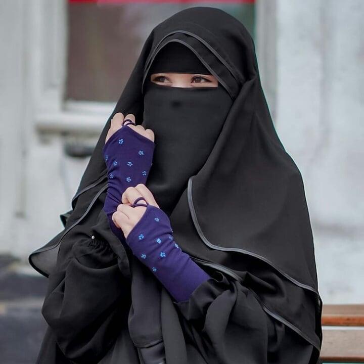 Hijab Girl DP