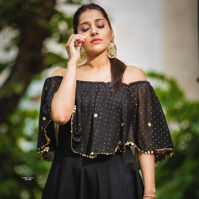 Telugu Anchor Rashmi Gautam Latest Photos in Black Dress Actress Trend