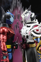 S.H. Figuarts Kamen Rider Evol Black Hole Form (Phase 4) 43