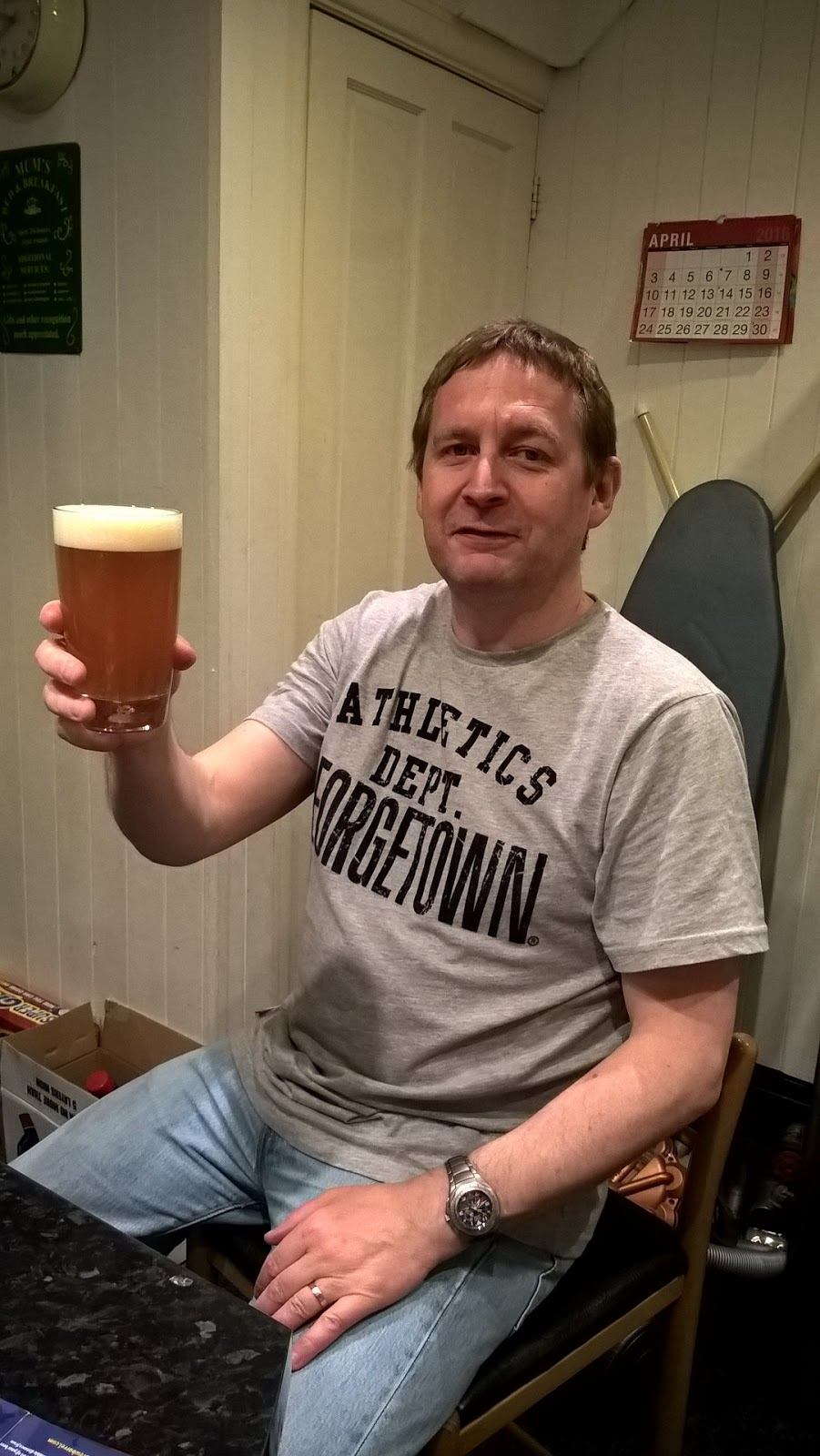 Mat Hobbis about to test Brewbarrel India Pale Ale - review & giveaway - home brew - motherdistracted.co.uk