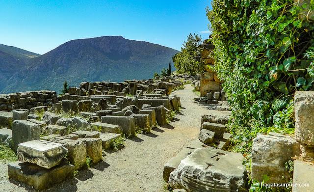 Caminho Sagrado no Santuário de Delfos, Grécia