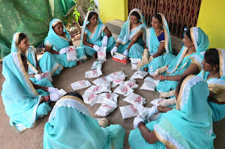 women-solving-mal-nutrition
