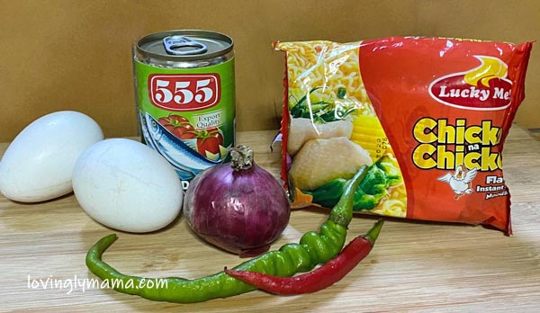 Labadoracay, Covid-19, Covid-19 relief packs, Covid-19 ECQ, Enhanced Community Quarantine, life, Filipino, Filipino family, budget meal, sardines, noodles, eggs, daily wage, Philippines, 50 pesos, dish, budget dish, sardines dish, Pinoy dish, Hong Kong, Bacolod City, fry, fried recipe, frittata, spicy sardine frittata, noodle frittata, family budget, Covid-19 pandemic, health, healthy meal, rice, ulam, budget ulam recipe, quarantine recipe, vegetables, dish extender, 555 Sardines, Lucky Me noodles, chicken noodles, family meals