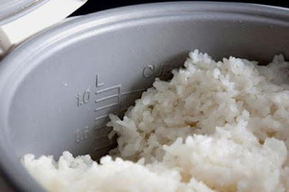 Nasi Di Rice Cooker Sering Jadi Kuning dan Kering? Coba Lakukan Tips Berikut Ini